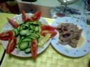 豚の生姜焼きとサラダ
