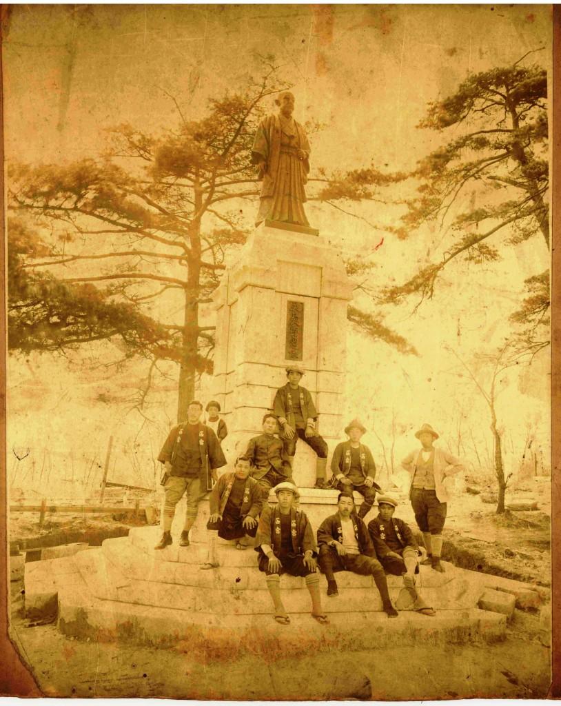 初代高崎市長矢島八郎翁の銅像