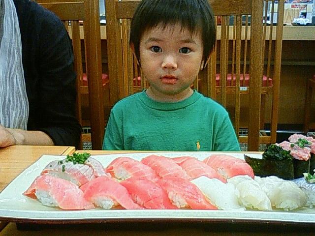 築地にて寿司