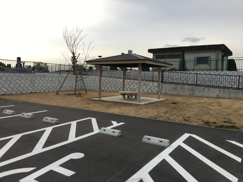 八幡霊園新区画東屋